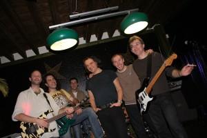 Les Feux Follets au complet en 2008 : Eric, Grégory, Michaël, François, Pierre et Marcel (de g. à d.)
